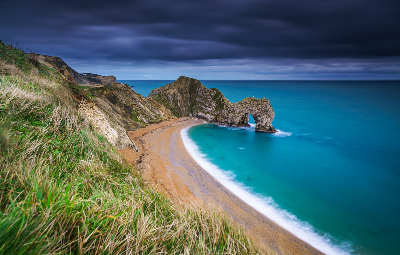 durdle-door-jurassic-coast-english-channel-dorset-england