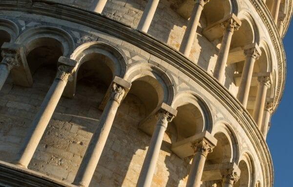 «Падающая» башня в Пизе
