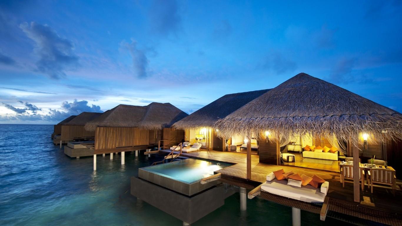 maldivy-vecher-otel
