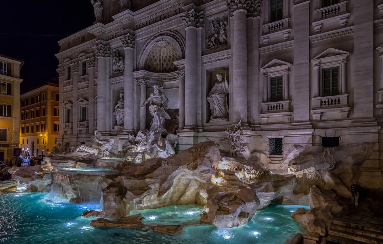rim-italiia-fontan-trevi-noch-ogni
