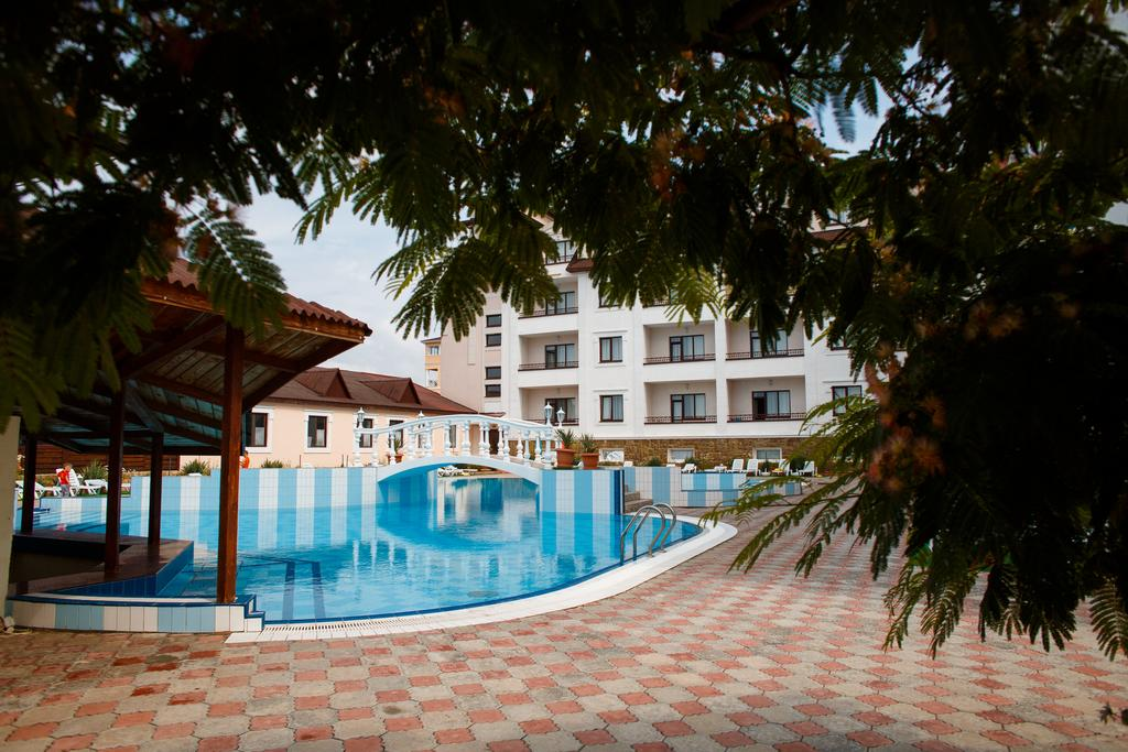 grand-sudak-pool