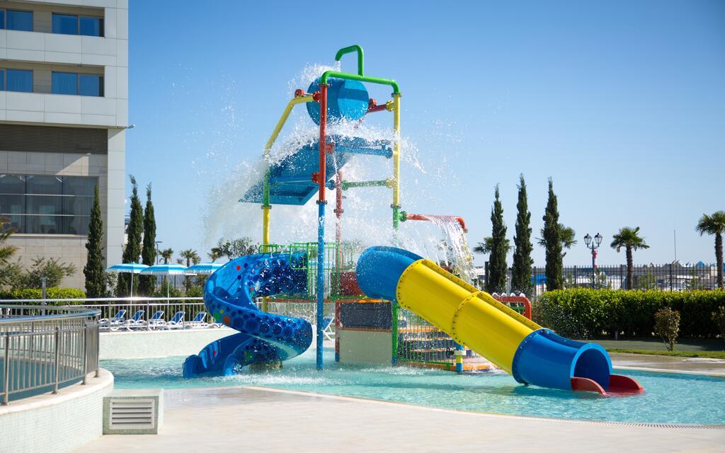 radisson-blu-resort-amp-congress-centre-akvapark