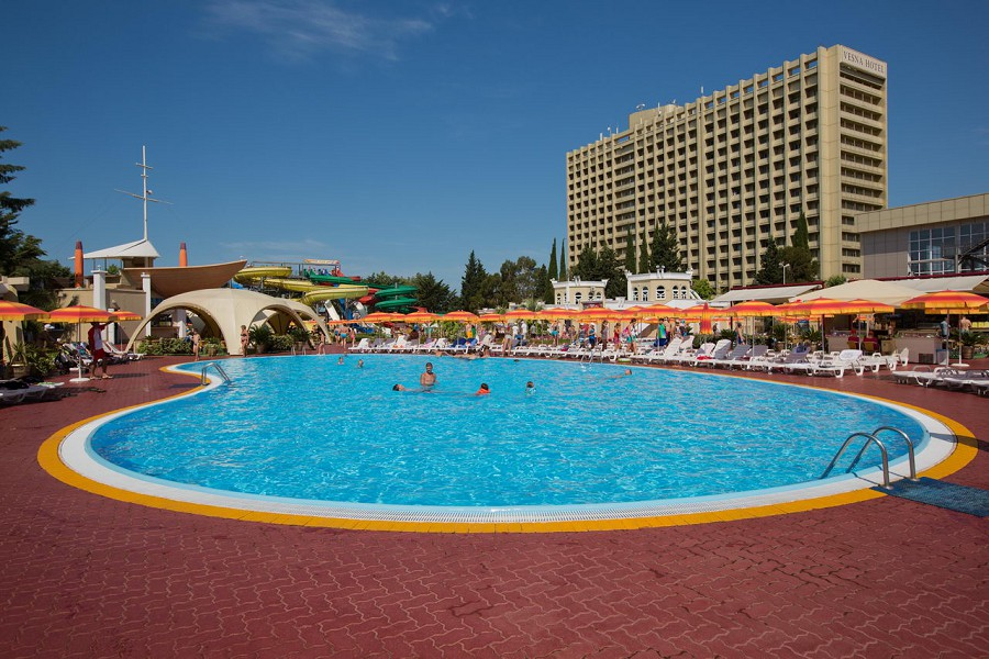 volna-resort-spa-hotel-bas