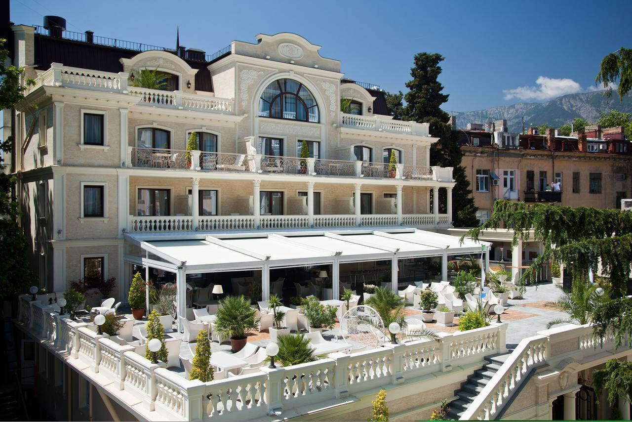 «villa-elena-residences-balkon»