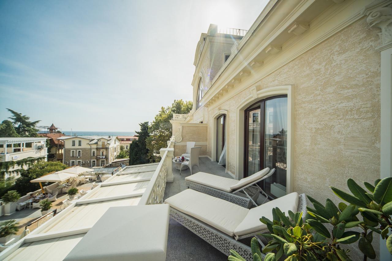 villa-elena-residences-nomer-balkon
