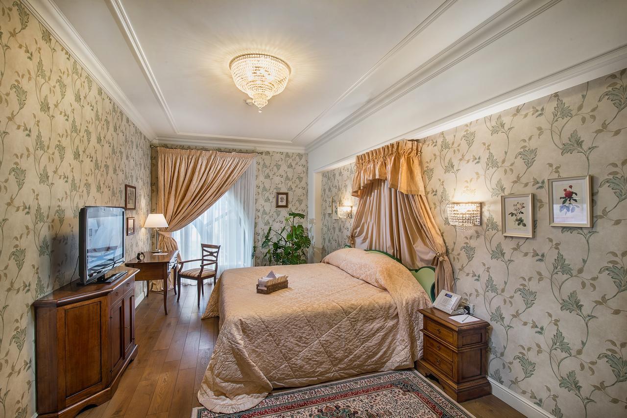 «villa-elena-residences-nomer»