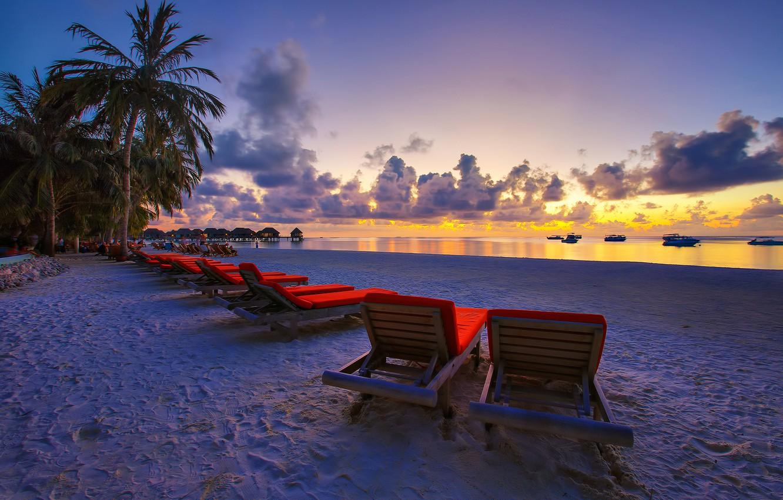 otdykh-rai-maldivy-bungalo-indiiskii-okean-bereg-vecher