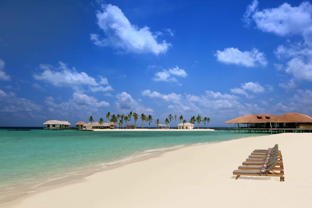 radisson-blu-resort-maldives-plyazh