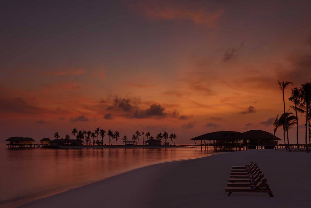 radisson-blu-resort-maldives-vecher