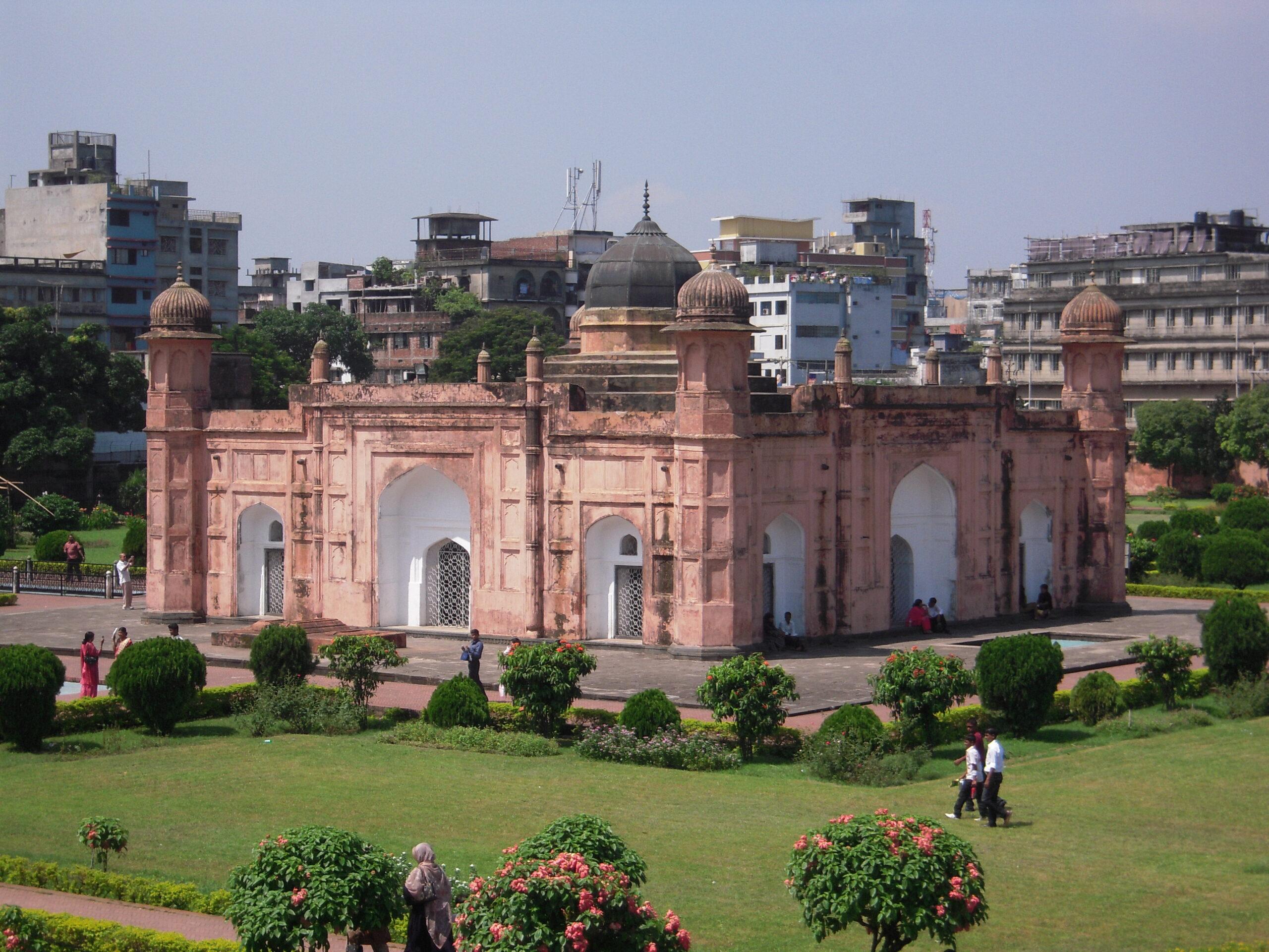 hana-mohammada-mridha-mechet-bangladesh
