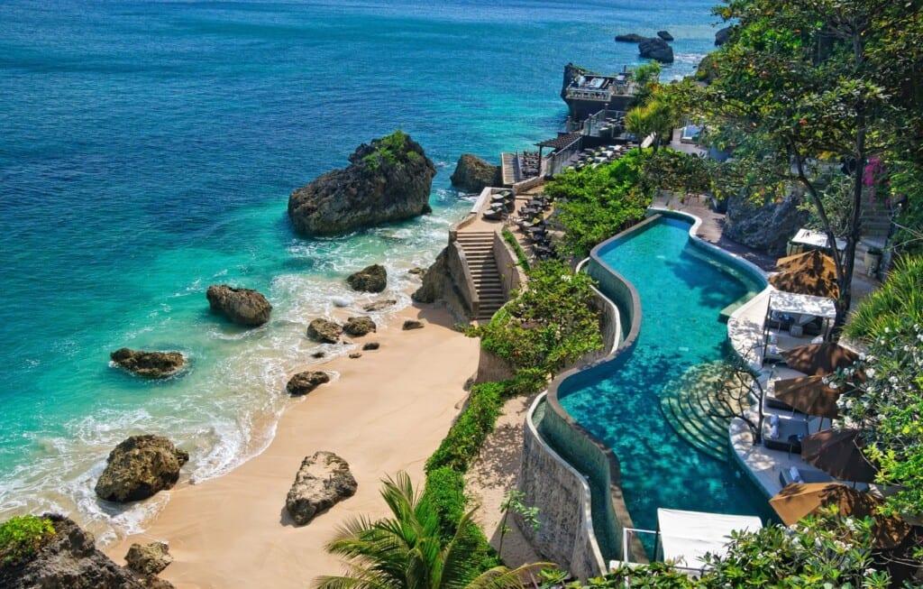 Куда поехать молодежи на Бали