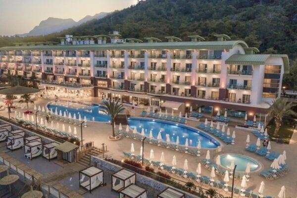 Обзор отелей Турции с теплыми бассейнами для отдыха зимой