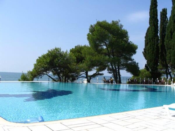 Лучшие санатории Сочи с бассейном с морской водой